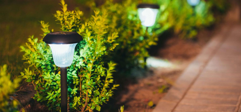 External electrical garden light installation